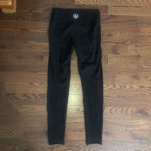 Aritzia leggings brand new- FREE WITH PURCHASE